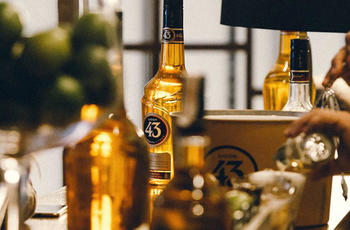 licor43 bottles on bar