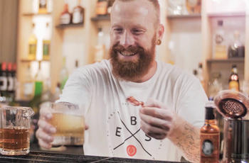 Gavin Wrigley teaching at European Bartender School