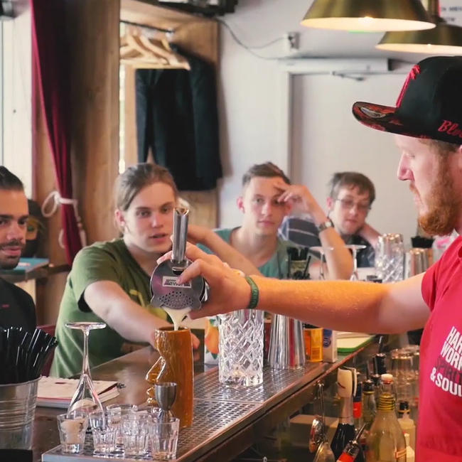 bartender pouring in oslo school