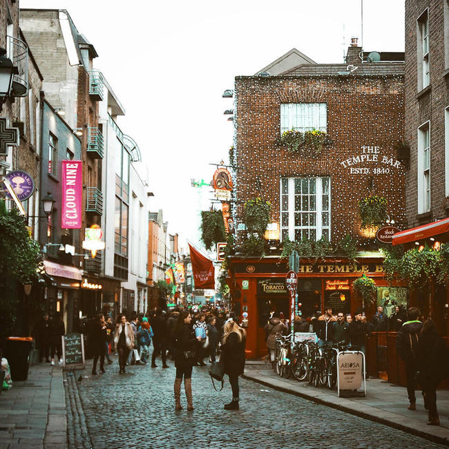 busy cobbled street in dublin's centre