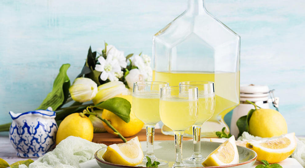 Limoncello tray glasses flask